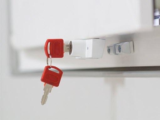 Металлические двери и окна ПВХ как средство защиты от воров