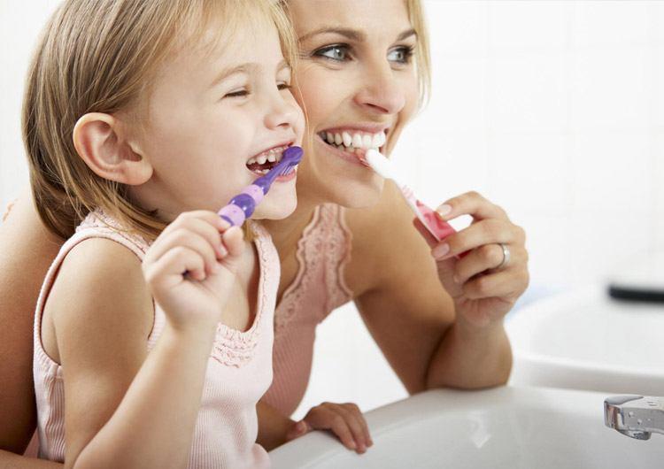 Экспертиза: что должно быть в составе детских зубных паст?
