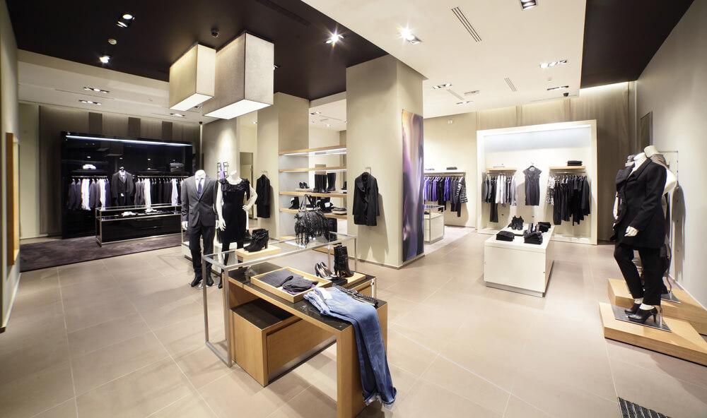 Почему мужчине стоит заглядывать в брендовые магазины одежды